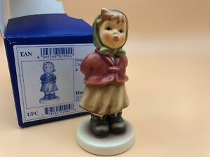 Hummel-Figurine-2181-Sings-With-3-7-8in-1-Quality-With-Top-Condition