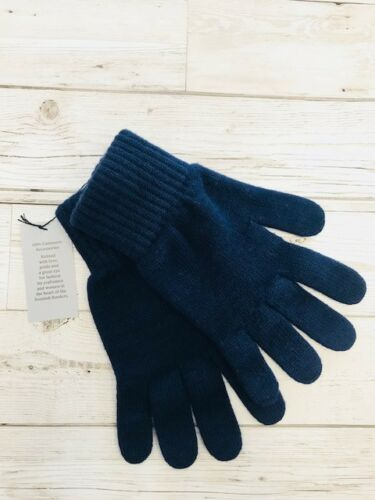 made on the Scottish borders. Cashmere Gloves