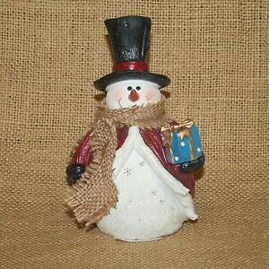 Snowman-Holding-Present-Christmas-Winter-Figurine
