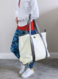441907c7f2a NWT (With Defect) Lululemon Summer Lovin Tote Gym Yoga Bag Clarity ...
