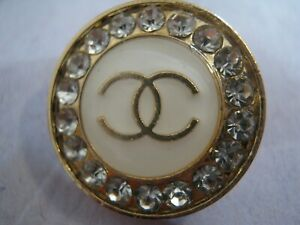 CHANEL-1-CC-LOGO-WHITE-MATTE-GOLD-RHINESTONES-20mm-BUTTON-THIS-IS-FOR-ONE