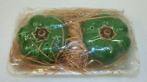 Vintage-Ron-Gordon-Green-Bell-Pepper-Salt-Pepper-Shakers-in-Produce-Package-MIJ
