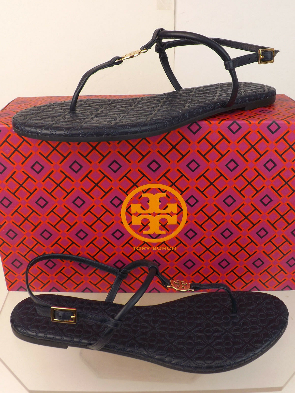 NIB TORY BURCH NAVY BRYANT QUILTED LEATHER oro REVA THONG FLATS SANDALS 9.5