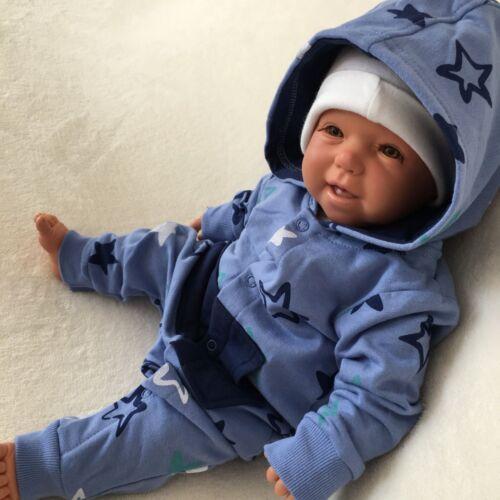 NEU Baby Jungen Strampler Overall Einteiler Sterne Gr 56 62 68 74 80 86 92 98