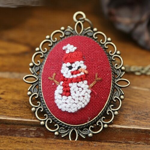 Embroidery Retro Cross Stitch Kit with Hoop Needlework Floral  Necklace Pendant