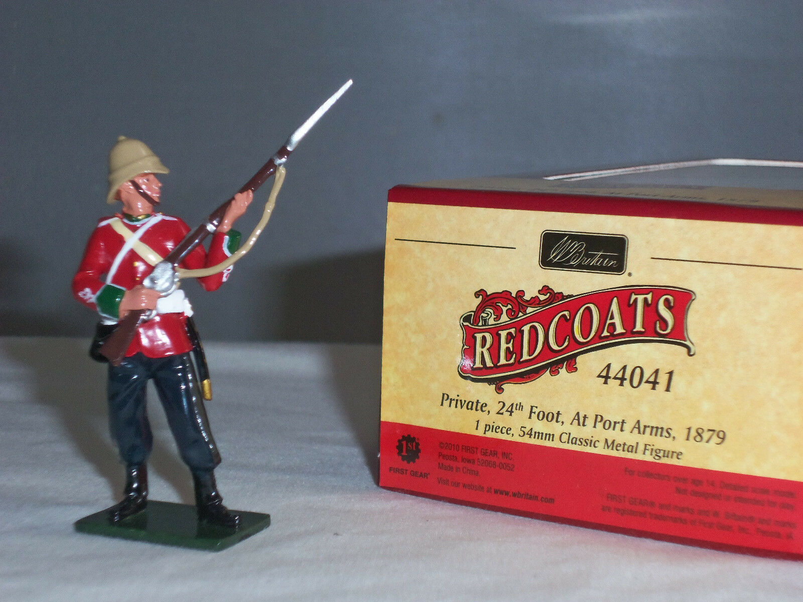 BRITAINS 44041 REDCOATS BRITISH 24TH FOOT PRIVATE ZULU WAR AT PORT ARMS 1879