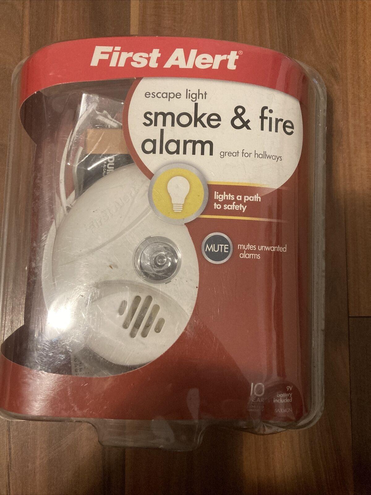 Escape Light First SA304CN3 Smoke Alarm