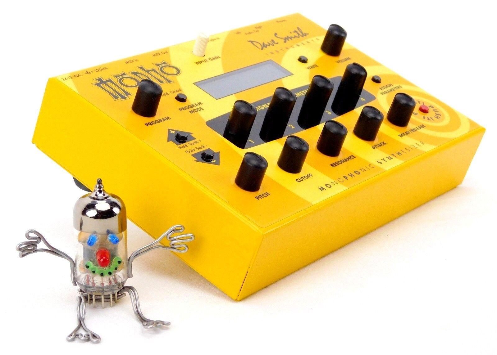 DSI Mopho Dave Smith Instruments Desktop SyntheGrößer + Neuwertig Neuwertig Neuwertig + 1.5J Garantie a28502