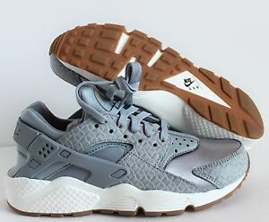 a123d3a8d991 NIKE WOMEN AIR HUARACHE RUN PRM PREMIUM WOLF GREY-SAIL SZ 6.5 ...
