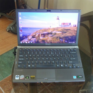 SONY-VAIO-Z-VGN-Z550-Duo-core-2-4G-4Gb-memory-320Gb-hard-drive-new-sceen-win7