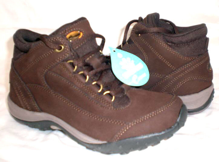 Easy Spirit Darrow WATERPROOF boot brown 6.5 Med NEW