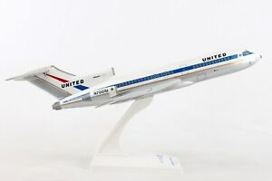 SKYMARKS-SKR896-UNITED-AIRLINES-727-100-1-150-SCALE-PLASTIC-SNAPFIT-MODEL