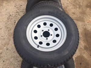 ONE-ST205-75D15-BIAS-TRAILER-TIRE-WITH-15-034-5X4-5-BOLT-PATTERN-SILVER-WHEEL
