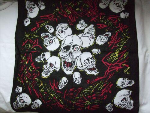 New  LAUGHING SKULLS /& GRAFETTI Bandana Neck Scarf