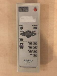 Genuine Sanyo Cxvm Projecteur Télécommande Pour Plc-xu75 Plc-xu101 Plc-xw50 Plc-xw55-afficher Le Titre D'origine