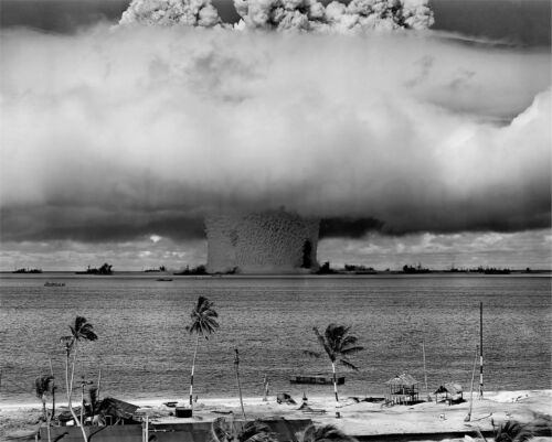 1946 BAKER EXPLOSION NUCLEAR WEAPON TEST AT BIKINI ATOLL ALUMINUM 8X10 PHOTO