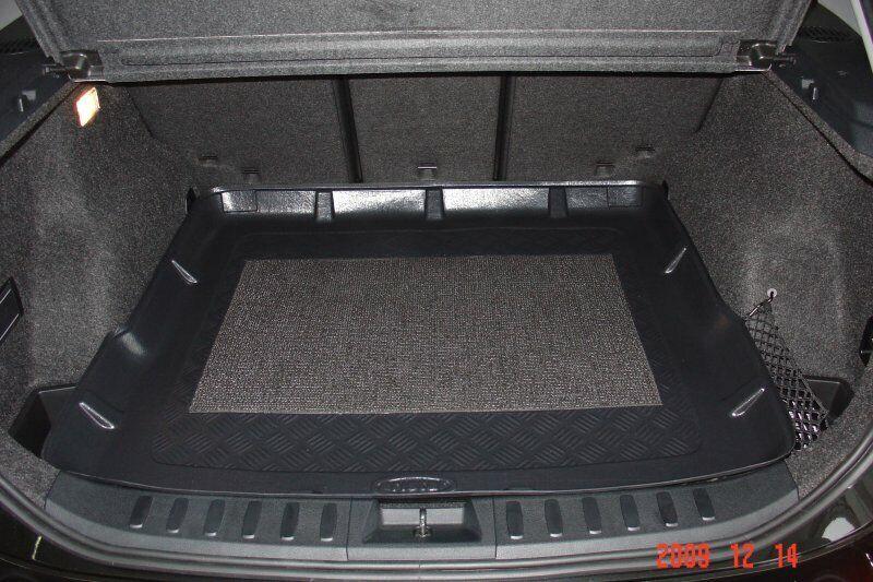 Gummierte Kofferraumwanne für BMW X1 E84 Steilheck Geländewagen SUV 5-türer 2009