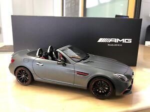 Original Mercedes-AMG SLC 43 designo mountaingrau Magno 1:18 GT Spirit