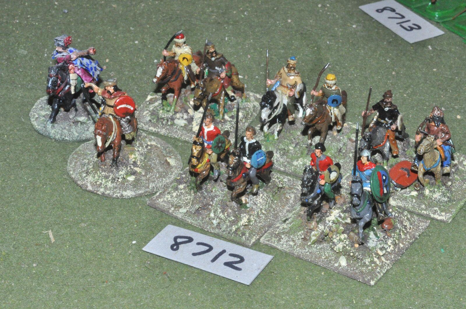 25mm roman era   roman - late hun cavalry 12 figs metal painted - cav (8712)