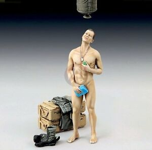 "Shower Model royal model 1/35 ""shower time"" us soldier with canvas pail 11th"