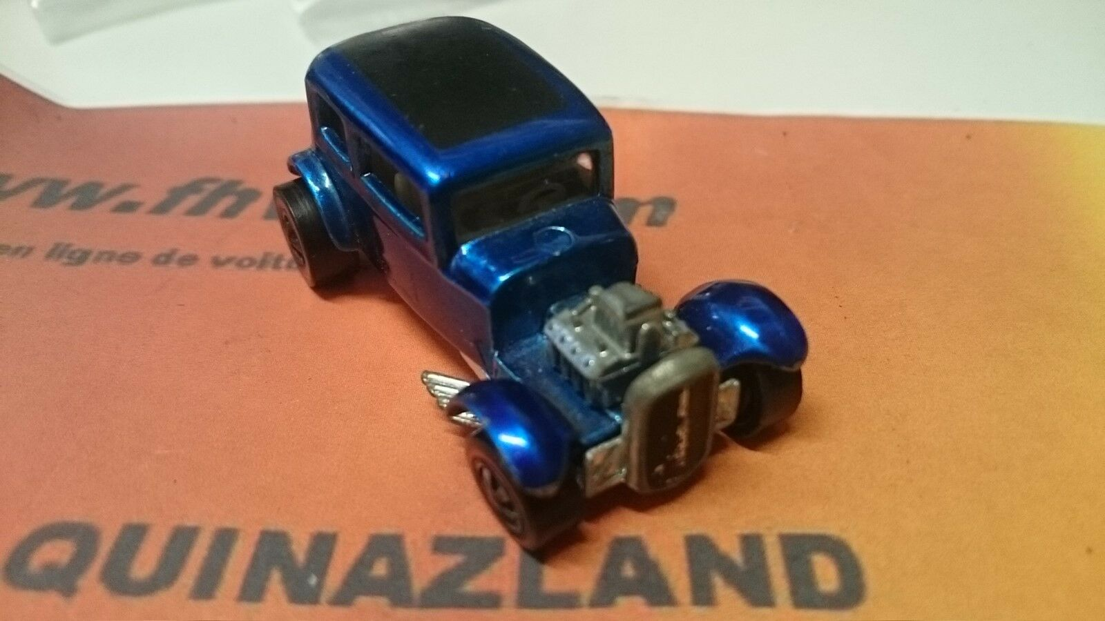 Hot Wheels 1932 Ford Vicky  rojo line made in USA version bleue (B1)