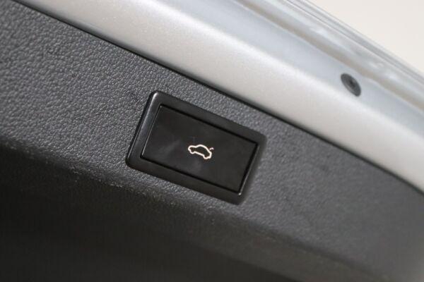 Skoda Superb 2,0 TDi 150 Style Combi DSG billede 8