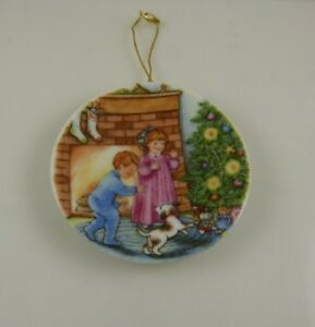 Hallmark-Morning-of-wonder-porcelain-plate-vintage-1989-Christmas-ornament-xmas