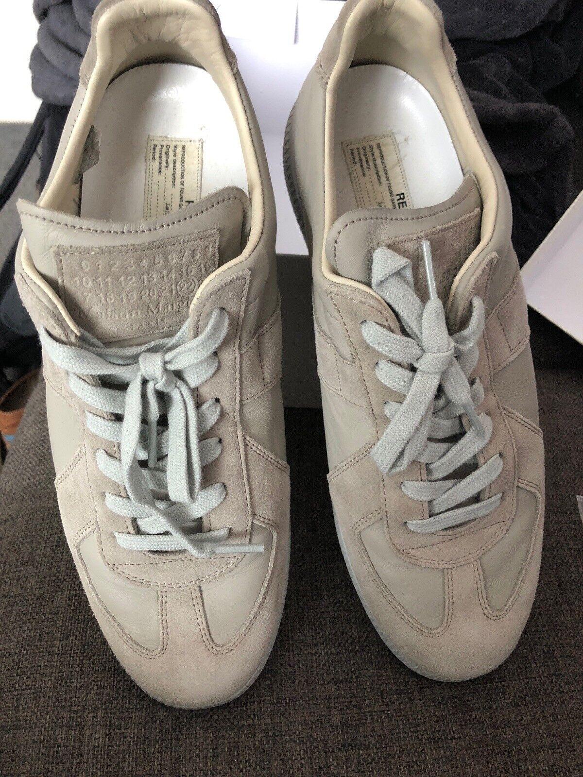 Dettagli su Nike Air Force 1, linea uomo, Blu scuro, taglia UK 8.5, Lacci, Sneaker Alte mostra il titolo originale