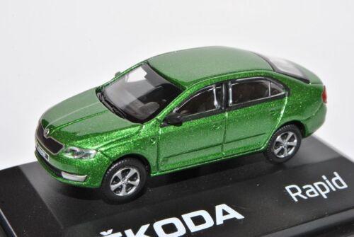 Skoda Rapid Limousine Rallye Grün Ab 2012 NH ABR171ABD022QA 1//72 Abrex Modell ..