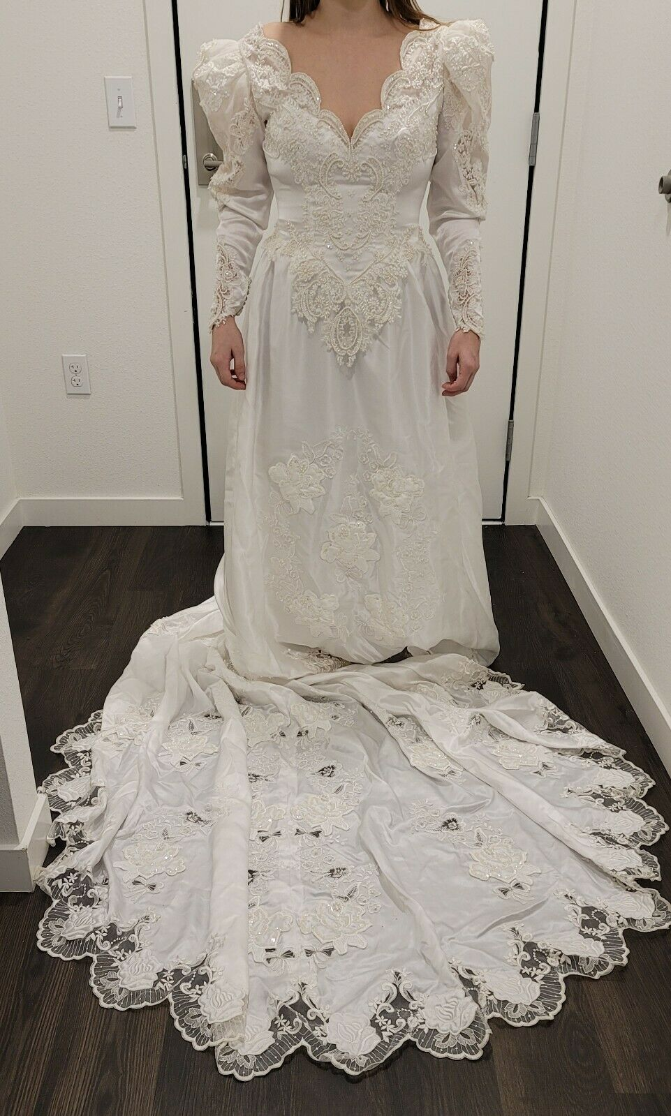 Vintage Wedding Dress with Lace Detailing and Embroidery - Veil & Headpiece