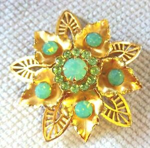 VINTAGE-UNSIGNED-GOLD-TONE-STAR-WITH-GREEN-RHINESTONES-BROOCH-2-034