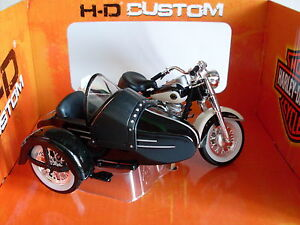 Harley-Davidson-Modell-1958-Duo-Glide-m-Beiwagen-Maisto-Motorrad-1-18