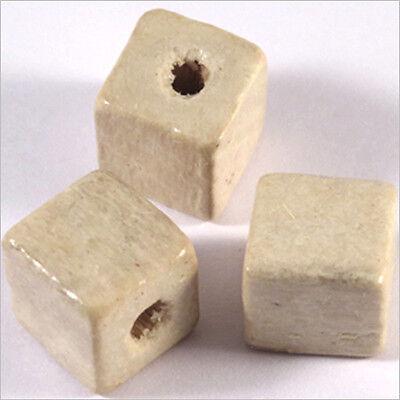 20 Perles Cubes en Bois 12mm Fuchsia