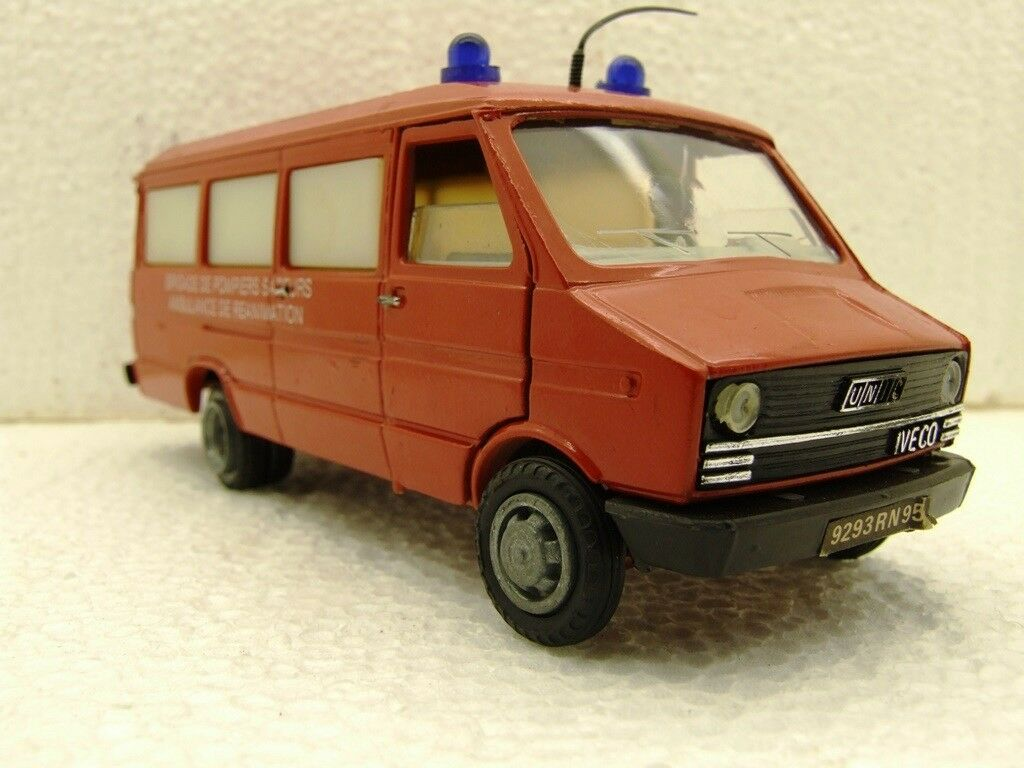 OLD CARS FIAT IVECO BRIGADE FIRE POMPIERS AMBULANCE DE REANIMATION REANIMATION REANIMATION Oldcars 02a369