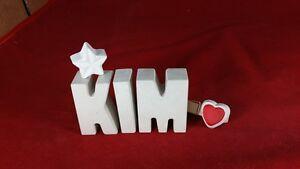 Beton-Steinguss-Buchstaben-3D-Deko-Namen-KIM-als-Geschenk-verpackt