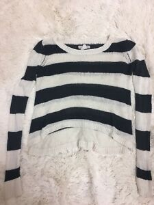 Billabong-Women-039-s-Sweater-Size-M-Black-White-Striped-Cropped-Long-Sleeve