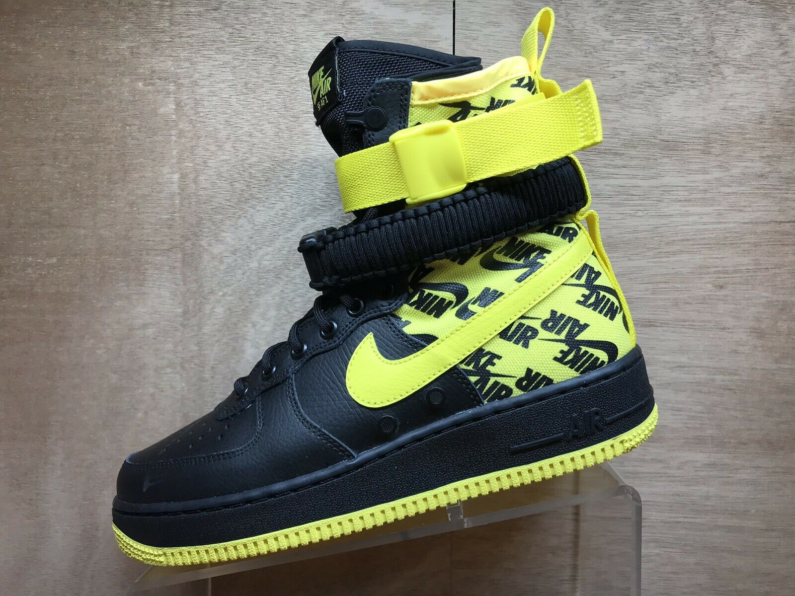 Nike SF Air Force 1 Black   Dynamic Yellow Size 8.5 AR1955-001 Winter shoes Boot