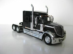 International Lonestar Model Tractor 1/64th Scale Black and Chrome DCP #32748