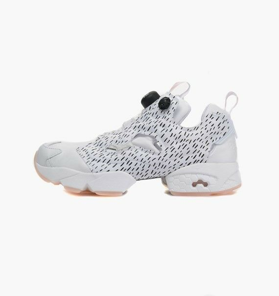 Reebok Womens Instapump Fury Sc Running shoes In White AQ8945