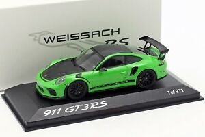 GT3-Rs-Porsche-911-991-II-Weissach-Package-Green-With-Font-1-43-Minichamps-Wax