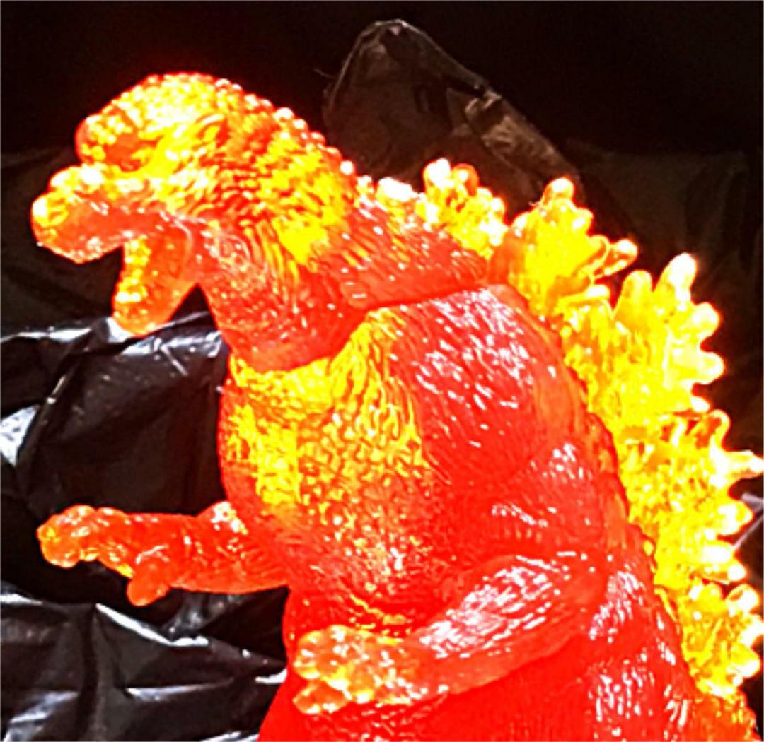 Godzilla Figure Clair Couleur  Rouge 1995 Hauteur 95 mm longueur 130 mm avec suivi  point de vente