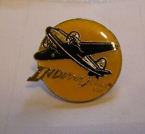INDIANA-JONES-AIRPLANE-LUCAS-FILMS-vintage-pin-badge