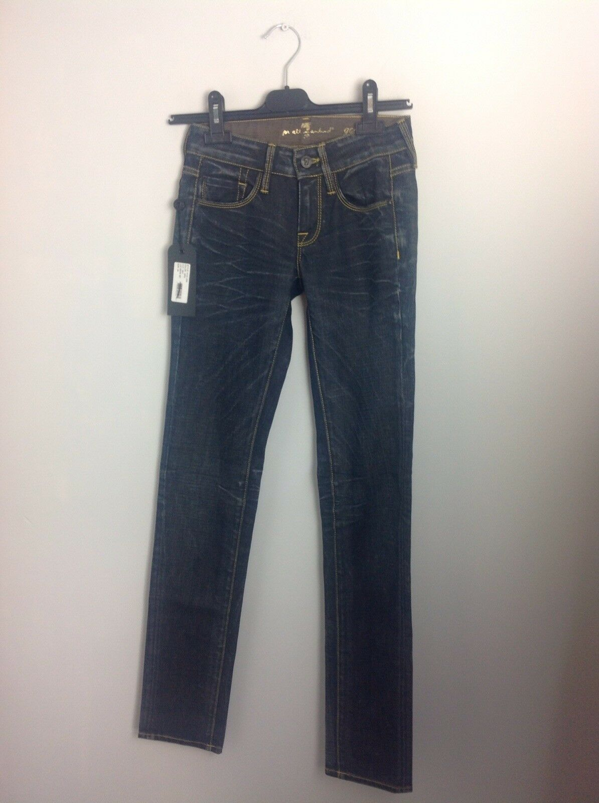 7 For All Mankind GoGo Skinny Jeans. New With Tags. 24 Waist. Super Smart