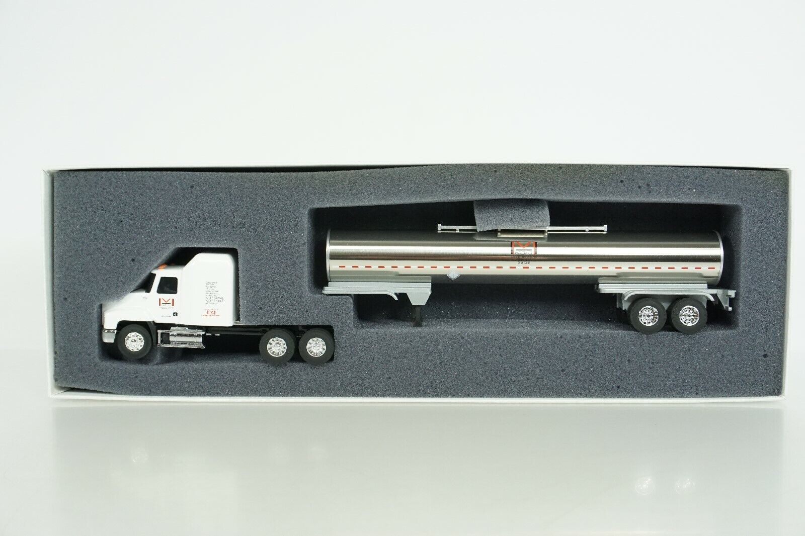 Penjoy 1 64 Die Cast Hazmat Tractor w  Tanker Trailer Buffalo, NY Nice Box NEW
