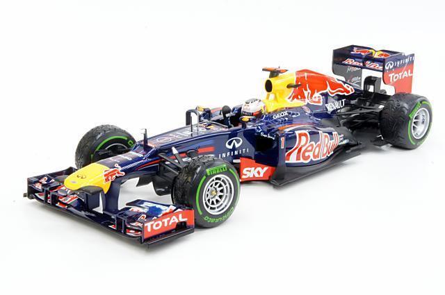 1 18 rosso Bull Renault RB8 Vettel Brazil 2012 118 • MINICHAMPS 110120101
