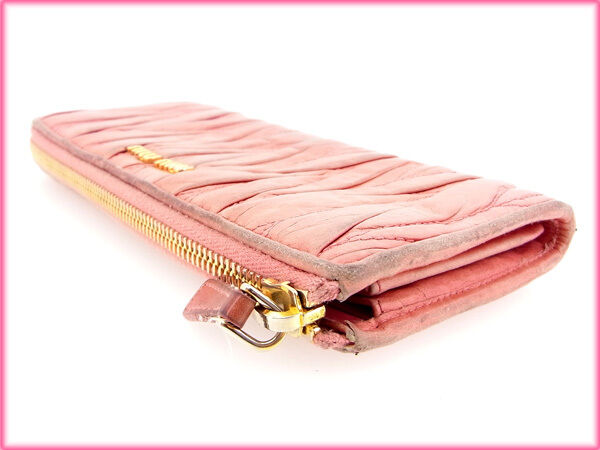 miumiu Wallet Purse zipper wallet Materasse Pink Woman Authentic Used E495