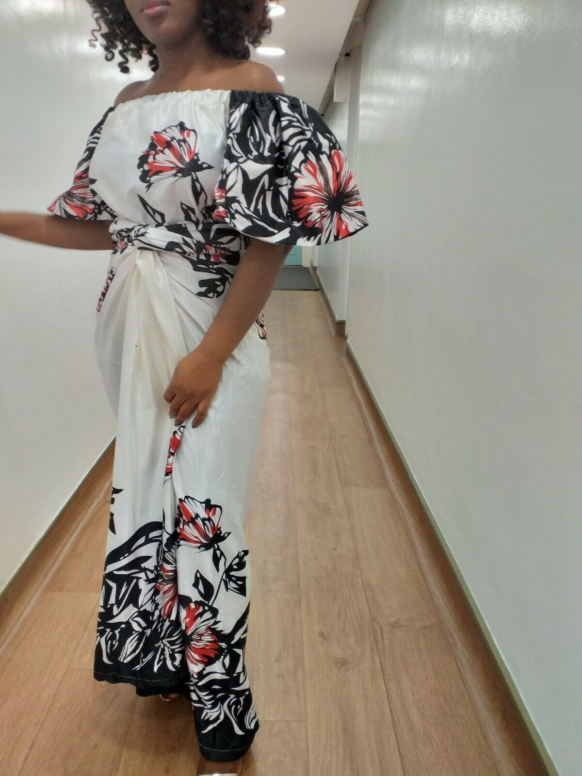 Ready Made Iro and Buba. UK size 10 and 12. Off shoulder top with elastic. White