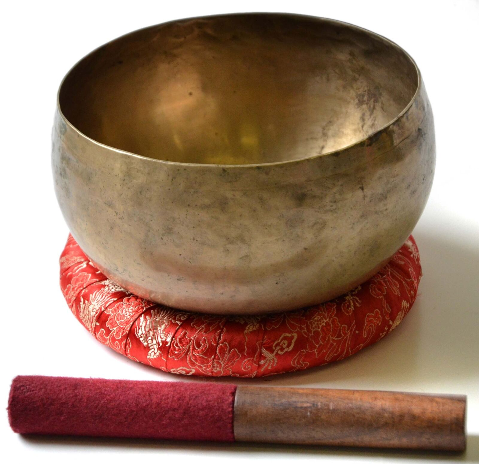 Tibetische Klangschale Typ Khopre 600 - 700 g mit Ringkissen & ReiBesteab