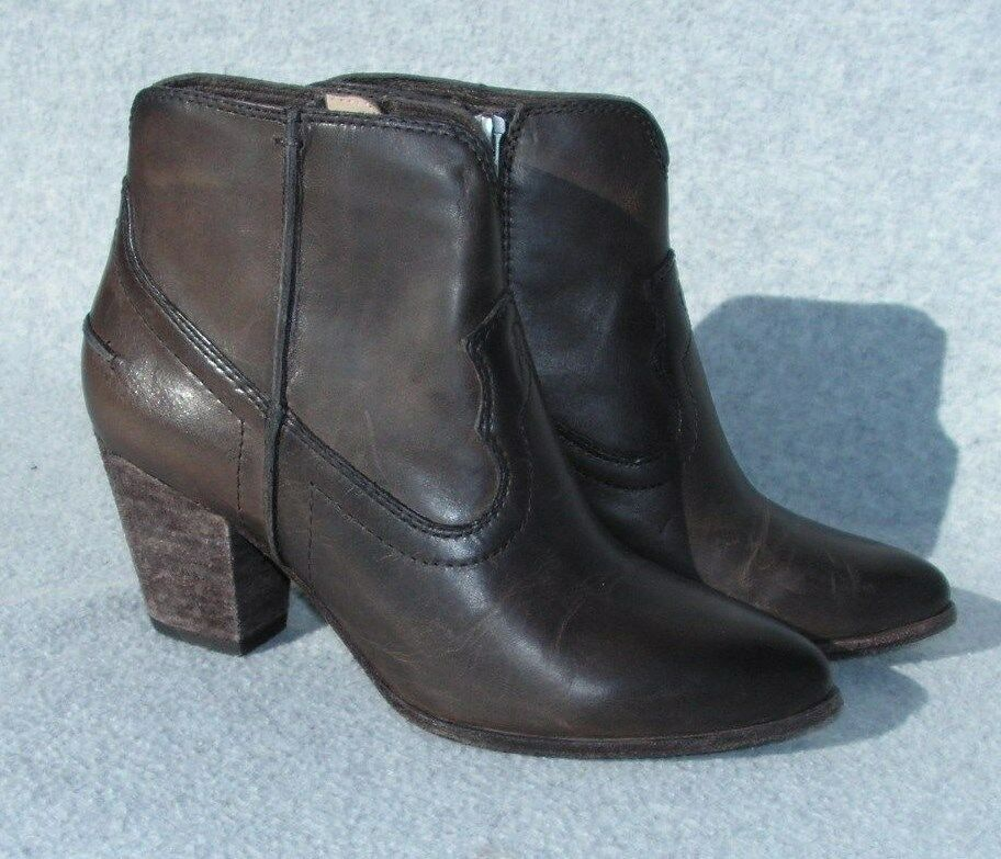 Frye Frye Frye 'Renee' Bootie - Leather Boot Womans size 7.5 B  Brown oiled finish 5f18bb