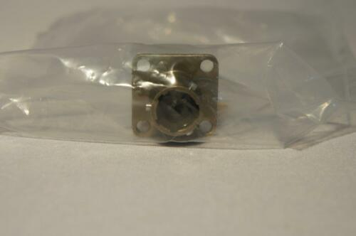 3 pin new!! NOS Military Surplus VG95328C8-3APN connector for panel mounting